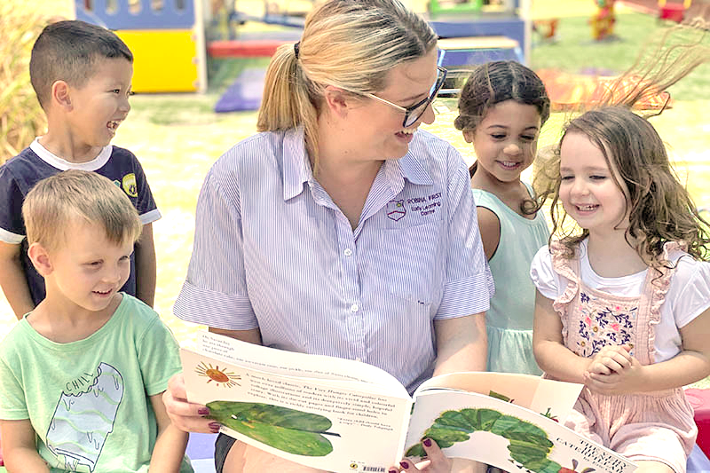 Children-Reading-at-Robina-First-Early-learning-Centre_light